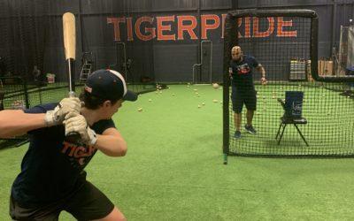 Former pro teaches baseball in Trumbull